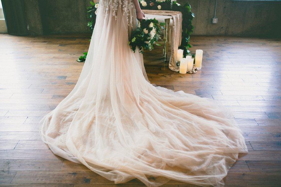 Green & White Modern Ethereal Wedding Ideas via TheELD.com