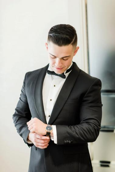 A Glamorous Black, White, & Gold Miami Wedding via TheELD.com