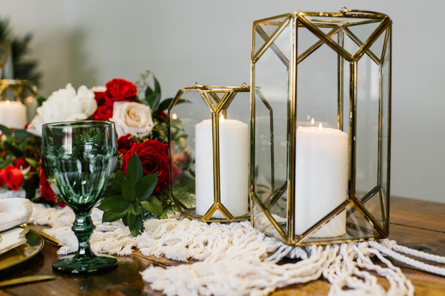 12 Days of Christmas Tabletops: 5 Golden Rings via TheELD.com