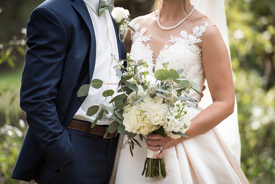 Rustic Elegant Navy & Green Jacksonville Wedding via TheELD.com