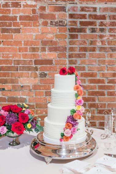 A Colorful Modern Elegant Charlotte Wedding via TheELD.com