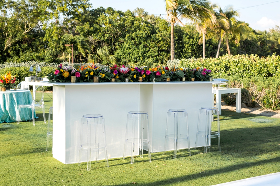 A Tropical Wedding Welcome Party via TheELD.com