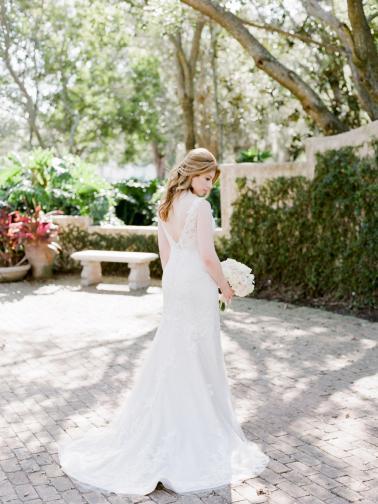 Romantic Pink & White Florida Wedding via TheELD.com
