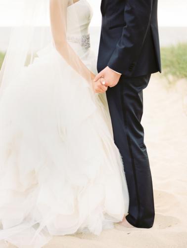 A Sophisticated Michigan Lakeside Wedding via TheELD.com