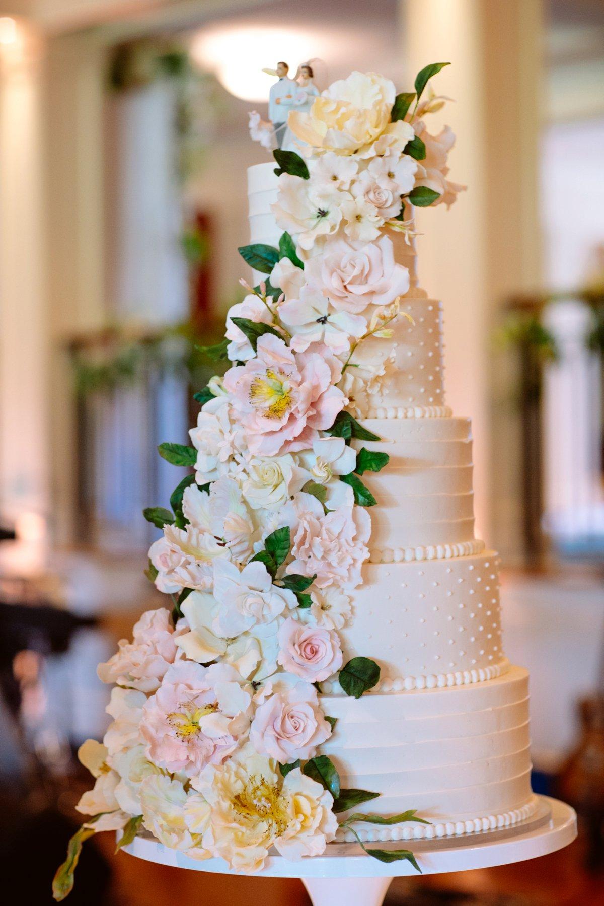 An Elegant Blush Portland Wedding via TheELD.com