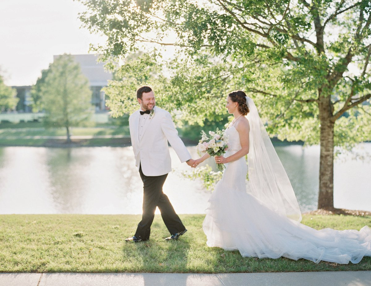 A Classic & Chic Alabama Wedding via TheELD.com
