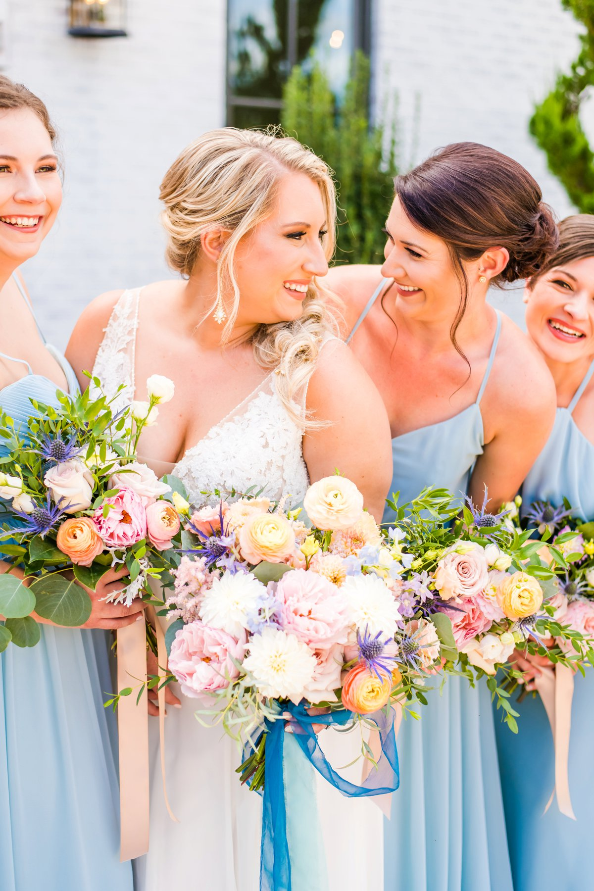 A Colorful Outdoor North Carolina Wedding via TheELD.com